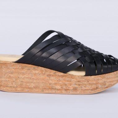 Suela ofrece calzado sostenible, con suelas de corcho